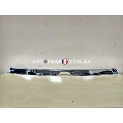 623825103R Накладка решетки радиатора хром Renault Lodgy (2017-2019) Оригинал