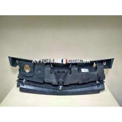 8200911027 Накладка решетки (внутренняя) кронштейн Renault Kangoo 2 Z.E. (2008-2013) Оригинал