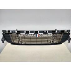 Решетка радиатора нижняя Renault Megane 3 (2009-2012) Оригинал 622543994R