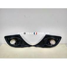 620720985R Накладки противотуманных фар (под парктроник) Renault Megane 3 (2012-2014) Оригинал
