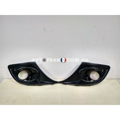 620720985R Накладки противотуманных фар (под парктроник) Renault Megane 3 (2012-2013) Оригинал