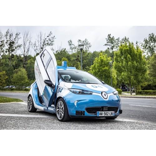 Renault тестирует автономные электрические такси