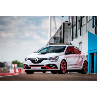Renault Megane RS Trophy-R: цена и характеристика