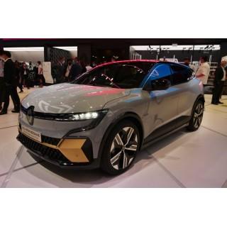 Электрический Renault Megane E-TECH показали вживую