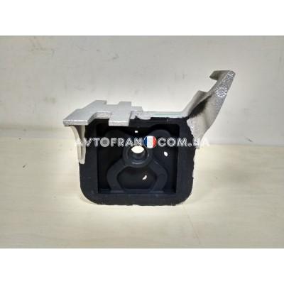 Кронштейн глушителя Renault Symbol Оригинал 7700435270